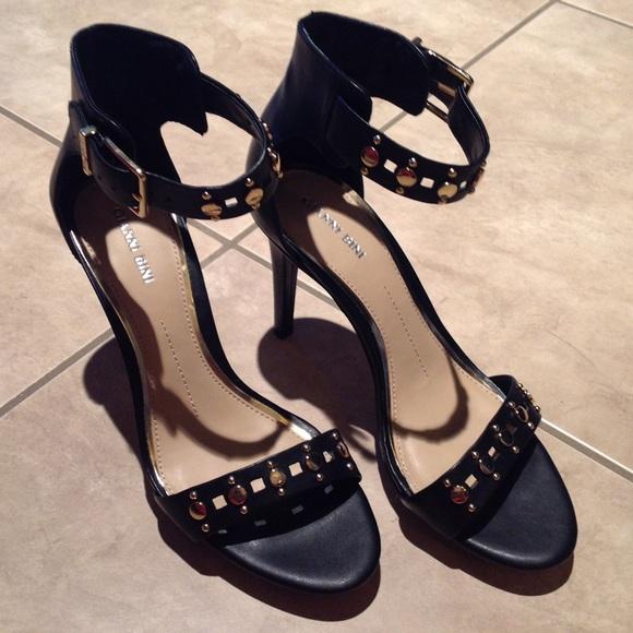 1da502a0f26 NEW Gianni Bini ankle strap heels 10 Boutique